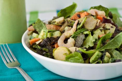 Reteta zilei: Salata cu fructe de mare