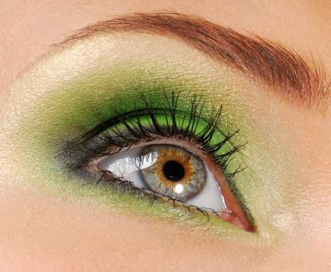 Machiaj: Culorile potrivite pentru ochii verzi