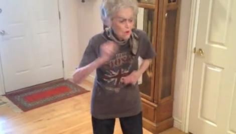 """VIDEO! Vezi cum danseaza o bunica de 90 de ani pe""""Moves Like Jagger""""!"""