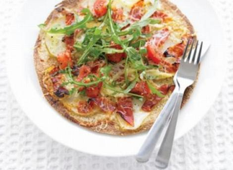 Gustare usoara: Pizza cu chorizo si cartofi