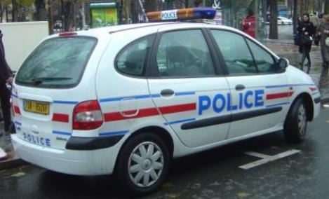 HRW acuza politia franceza de controale pe criterii etnice