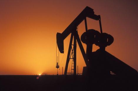 Iranul ameninta Europa cu inchiderea robinetului la petrol. Barilul ar putea creste cu 30%