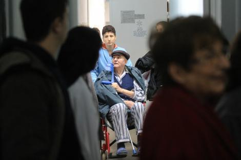 Targu-Jiu: Spital renovat pe banii medicilor