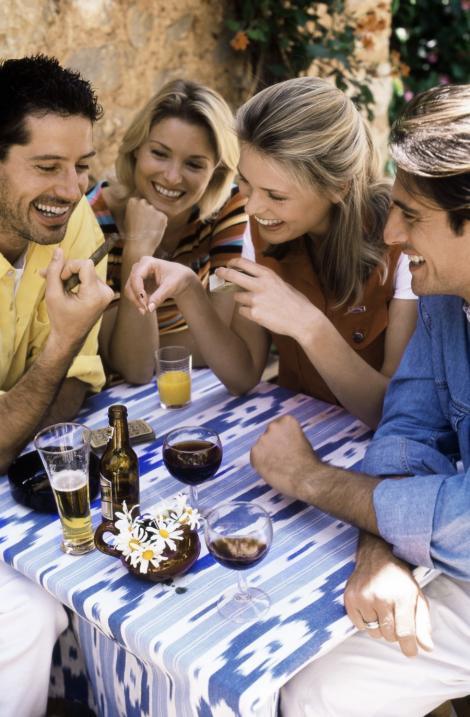 Șapte greseli care iti strica imaginea in grupul de prieteni