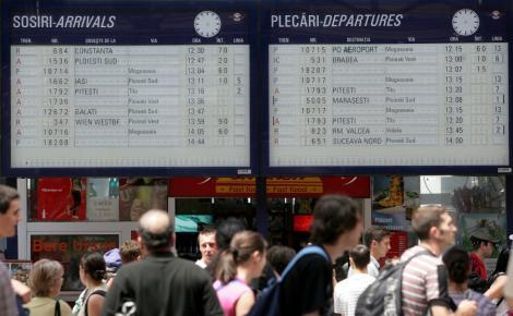 CFR: Trenurile spre Constanta circula pe rute deviate, zona Sarulesti nu a fost inca eliberata