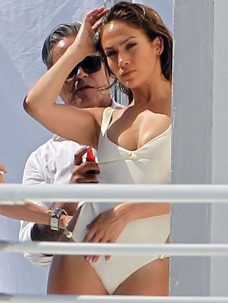 VIDEO! Jennifer Lopez, SEXY in costum de baie!