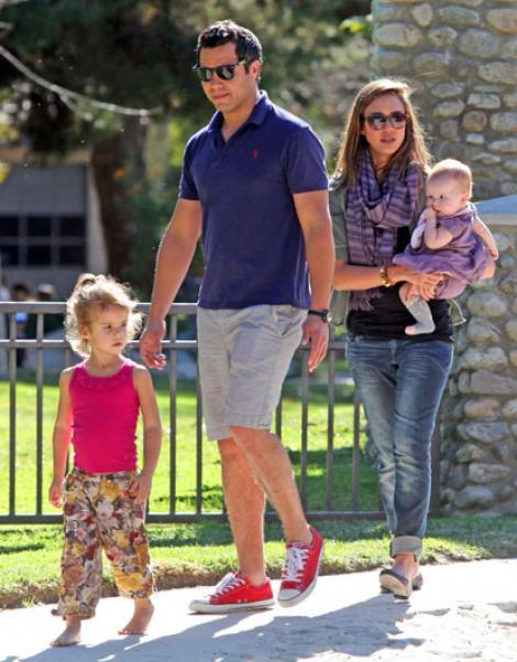 FOTO! Vezi cum se distreaza Jessica Alba si copiii ei!