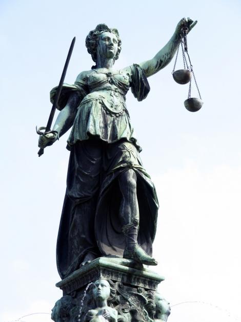 Cele mai amuzante legi din intreaga lume!