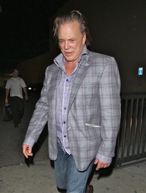 FOTO! Mickey Rourke arata ca o fantoma!