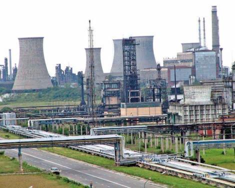 Prefectul de Arges: Statul va prelua rafinaria Arpechim de la OMV Petrom