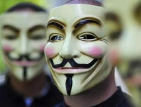 Oficiali americani si britanici, victime ale grupului de hackeri Anonymous