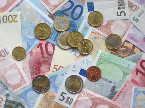 """Curtea de Conturi a constatat cheltuieli """"nelegale"""" ale statului de peste 10 miliarde de euro in 2009!"""