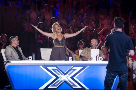 LiveTEXT! ULTIMELE AUDITII X Factor: Scene amuzante, emotii, lacrimi si un concurent SURPRIZA!