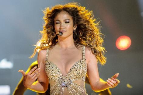 Jennifer Lopez nu mai vine anul acesta in Romania. Concertul se amana pentru anul viitor