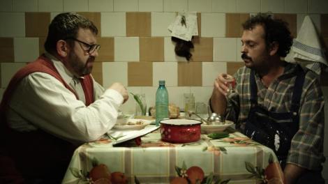 """""""Si caii sunt verzi pe pereti"""", cel mai nou film al lui Dan Chisu, apare de maine pe marile ecrane"""