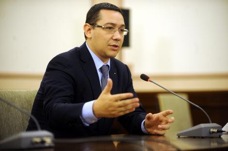 """Basescu: """"Nu mai vindem cei 10% din Petrom. Am fost norocosi ca nu am vandut in 2011"""""""