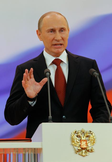 Vladimir Putin implineste 60 de ani