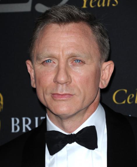 Daniel Craig a vizitat trupele britanice din Afganistan