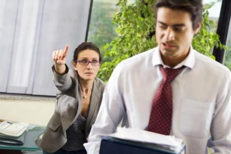 Cum te poti razbuna legal pe patron daca nu vrea sa iti dea liber pe 30 noiembrie