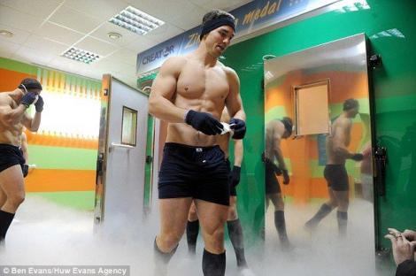 Rugby la minus 130 de grade!!!