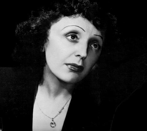 19 decembrie 1915: S-a nascut cantareata franceza Edith Piaf