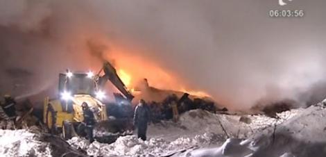 VIDEO! Incendiu puternic la o fabrica de incaltaminte din Mogosoaia
