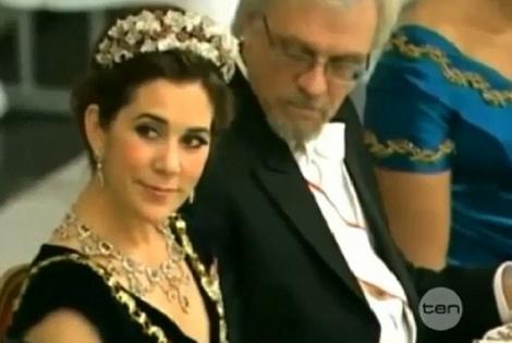 VIDEO! Prins in fapt! Sotul presedintei Finlandei, cu ochii in decolteul Printesei Mary a Danemarcei