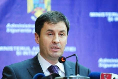 Igas: Antonescu este cel mai mare chiulangiu din Parlament pentru ca nu-i place munca