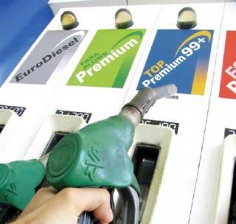 Compania Petrom scumpeste din nou carburantii. Este pentru a patra oara in 2012