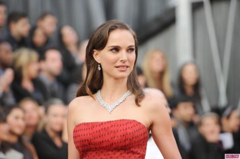 FOTO! Natalie Portman s-a casatorit in secret