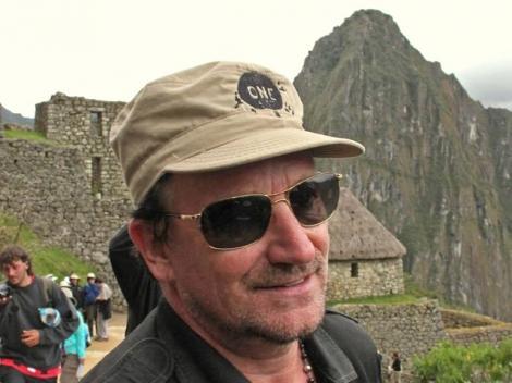 """VIDEO! Bono nu """"scapa"""" de fani nici la Machu Picchu"""