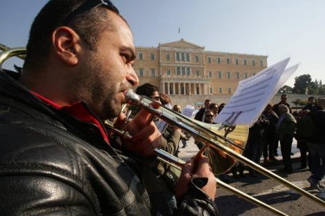 Nou val de austeritate in Grecia: Politicienii au cazut de acord asupra reformelor
