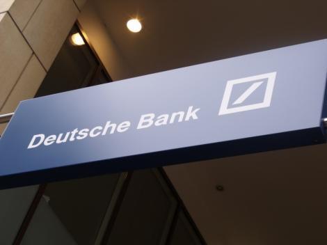 Deutsche Bank: Majorarea salariilor fara cresterea veniturilor pune in pericol programul Romaniei cu UE/FMI