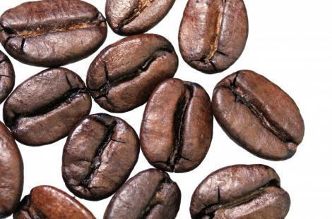 Solutie de exfoliere cu zat de la cafea