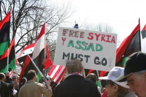 Un an de revolta in Siria: Mii de morti si represiunile continua