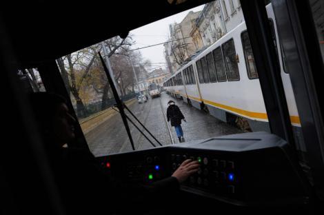 RATB: Liniile de tramvai 23 si 27 vor functiona pe un traseu modificat vineri seara