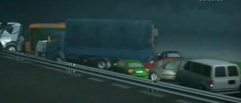 VIDEO! Accident in lant in Rusia: 37 de vechicule implicate