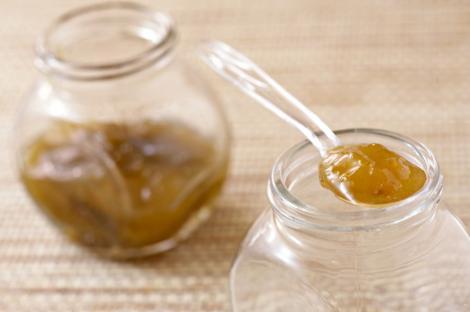 Tratamente naturale pentru tenul gras