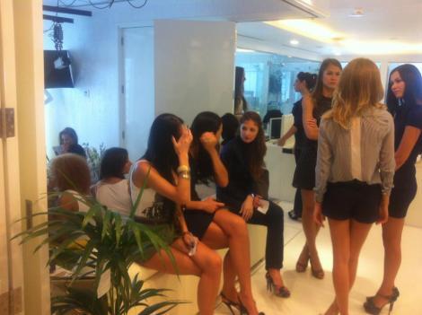 FOTO! Uite ce mai munceste Ramona Gabor in Dubai!