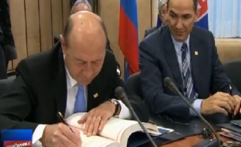 FOTO! Tratatul pentru disciplina fiscala in UE, semnat de liderii a 25 de state membre