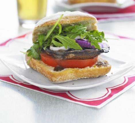Reteta de post a zilei: burger cu ciuperci la grill
