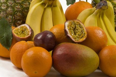 Doua firme fantoma care importau fructe au pagubit statul cu 100 de milioane de euro