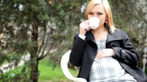 Ceaiul, recomandat femeilor care vor sa ramana insarcinate