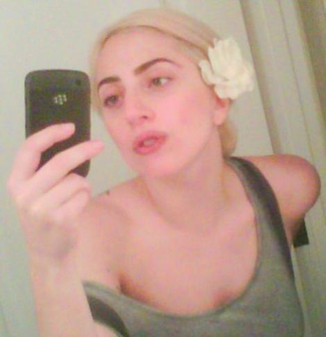 FOTO! Trebuie sa vezi: Lady Gaga, FARA machiaj!