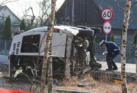 Polonia: Opt oameni au murit si zece au fost raniti in urma coliziunii dintre un microbuz si un camion