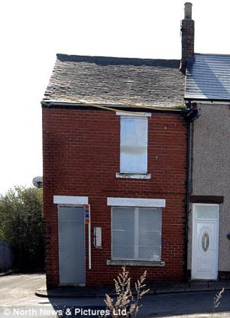 FOTO! Vezi cum arata cea mai ieftina casa din Marea Britanie!
