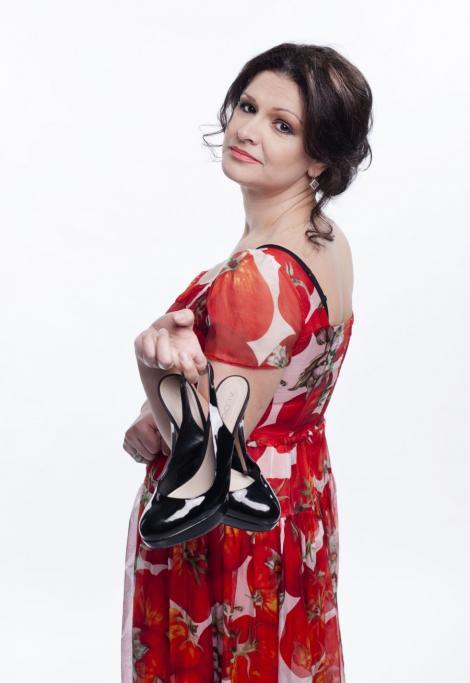 Maria Buza, la un pas sa sara pe fereastra la repetitiile Te cunosc de undeva!