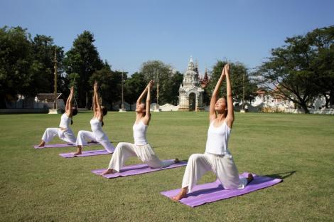 Yoga ii ajuta pe adolescenti sa scape de anxietate