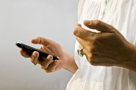 SMS-urile contribuie la tratarea depresiei