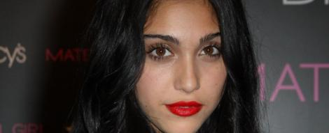 FOTO! Madonna, suparata ca Lourdes Leon fumeaza
